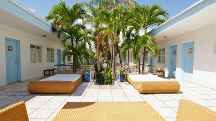 Exterior View Aqua Hotel Suites