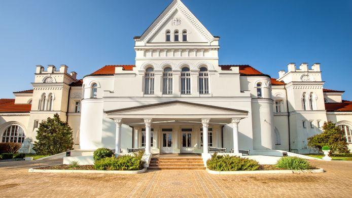Hotel Pałac łazienki Ii W Ciechocinku 4 Hrs Star Hotel In