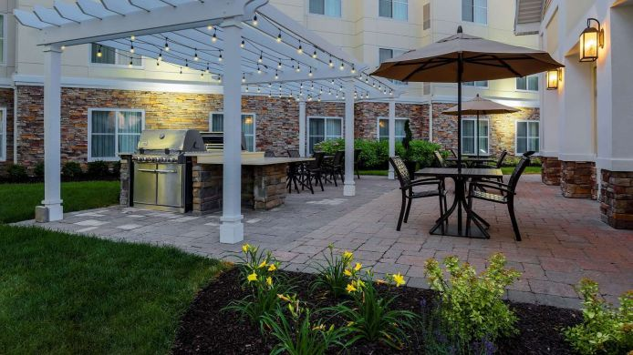 Vista exterior Homewood Suites by Hilton Long Island-Melville