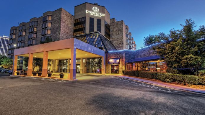 Exterior View Doubletree By Hilton Hotel Memphis