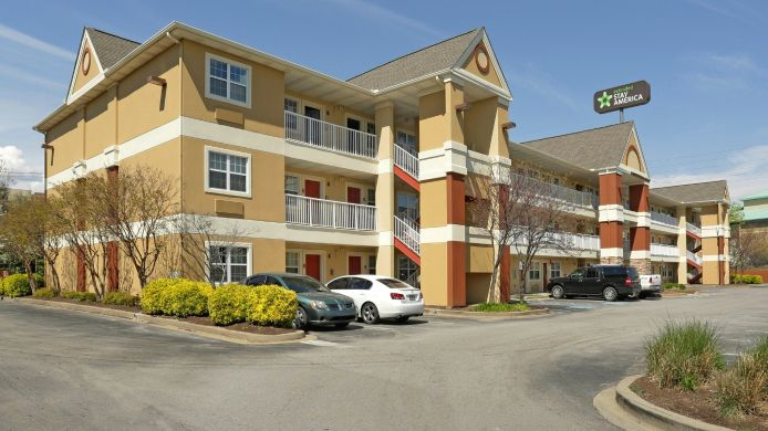 Exterior view Extended Stay America Cedar Bl