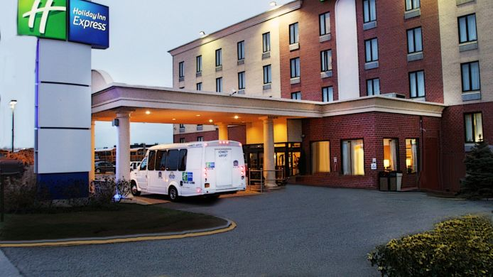 Exterior view Holiday Inn Express NEW YORK JFK AIRPORT AREA