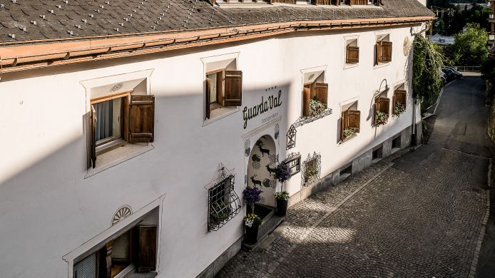 Exterior view Engadiner Boutique-Hotel GuardaVal
