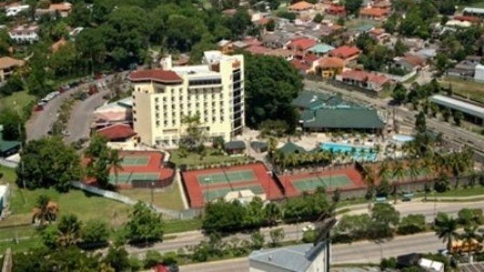 Exterior View Hotel Y Suites Copantl