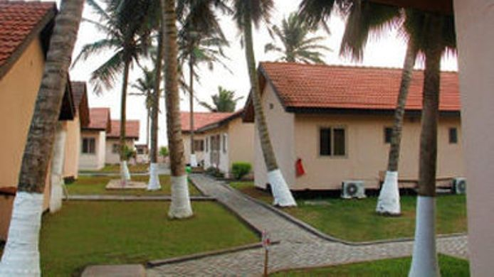 Exterior View Ramada Resort Accra Coco Beach