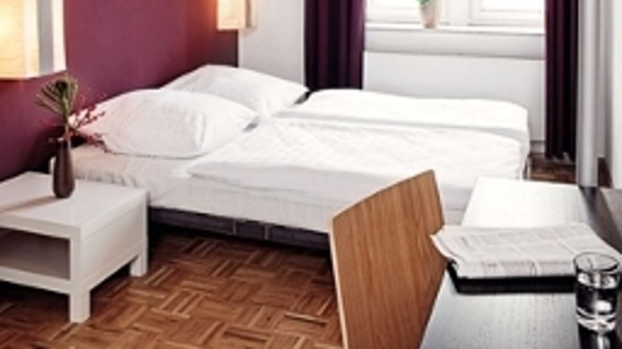 five elements hostel frankfurt am main 1 hrs sterne. Black Bedroom Furniture Sets. Home Design Ideas