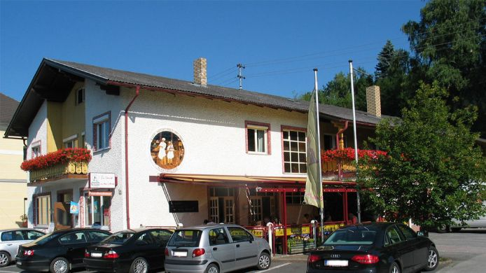 Exterior view Kaffee-Konditorei-Pension Gumhalter