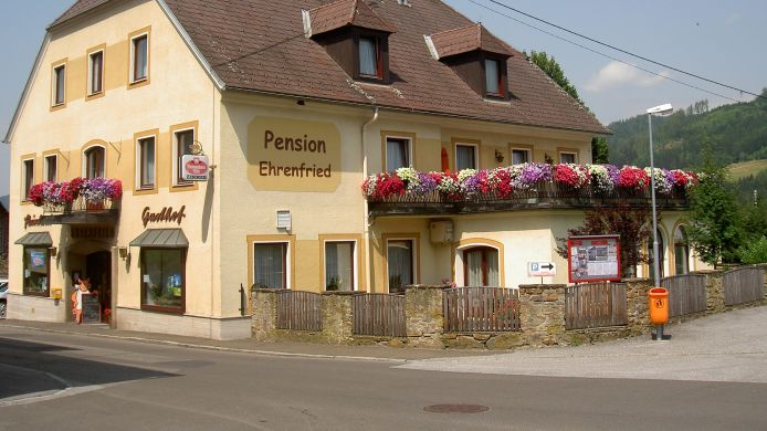 Buitenaanzicht Pension Ehrenfried