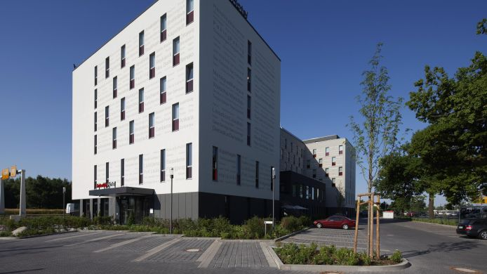 Exterior view IntercityHotel Berlin-Brandenburg Airport