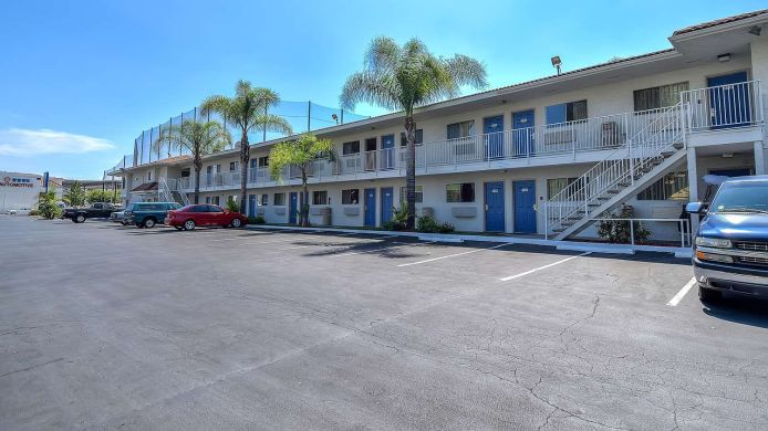 Buitenaanzicht MOTEL 6 LOS ANGELES-ROWLAND HEIGHTS