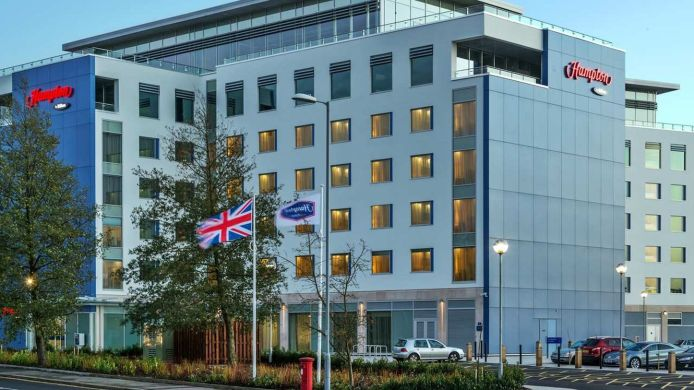 Außenansicht Hampton by Hilton London Luton Airport