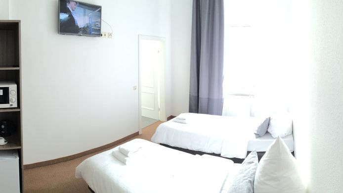 Double room (standard) dingdong bonn - city apartments