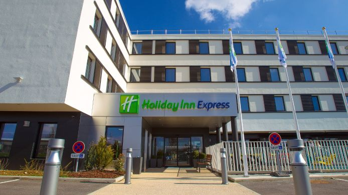 Buitenaanzicht Holiday Inn Express DIJON