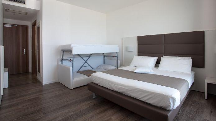 Hotel columbia ninfea hotel a hrs stelle a jesolo