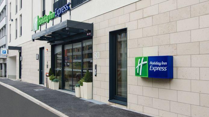 Holiday inn express dusseldorf city d sseldorf 3 hrs for Hotel dusseldorf mit schwimmbad