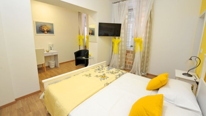 Double room (standard) Luxury rooms Nirvana