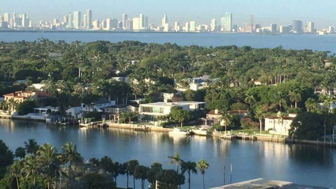 Exterior View Churchill Suites Monte Carlo Miami Beach