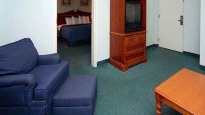 Room Cocoa Beach Suites Hotel