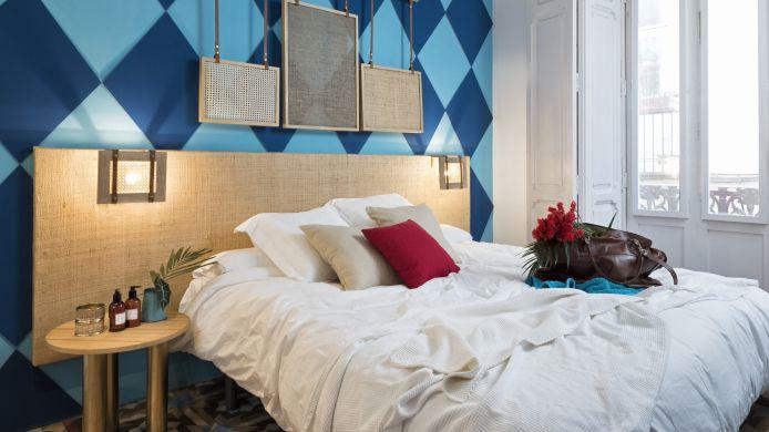 Valencia Lounge Hostel : Valencia lounge hostel hrs star hotel