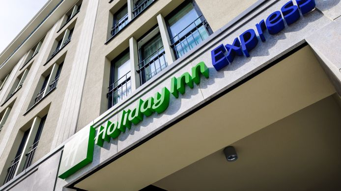 Außenansicht Holiday Inn Express BERLIN - ALEXANDERPLATZ
