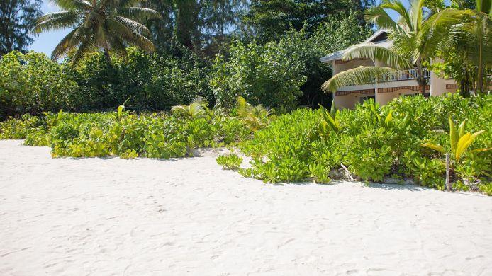 Exterior View Acajou Beach Resort