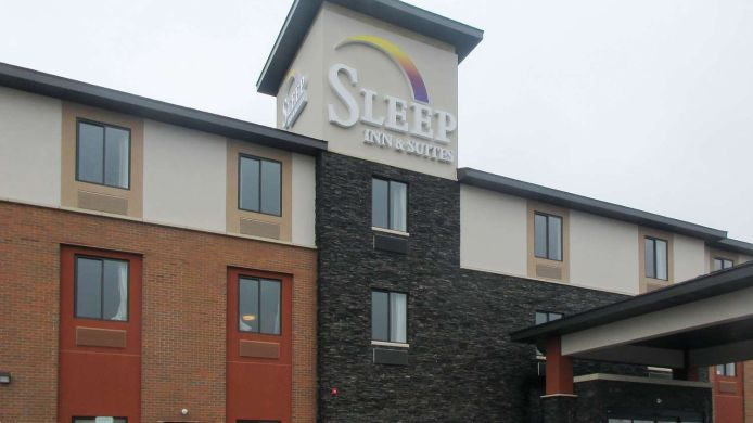 Außenansicht Sleep Inn and Suites Oregon - Madison