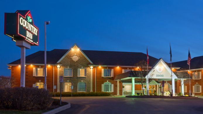 Exterior view ON  Oakville Country Inn and Suites By Carlson