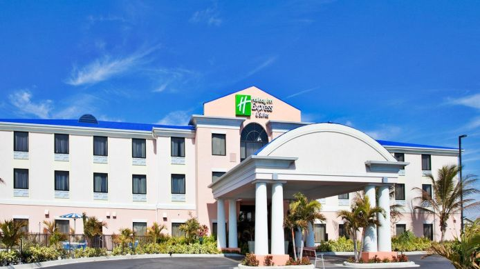 Exterior View Holiday Inn Express Suites Lake Okeechobee
