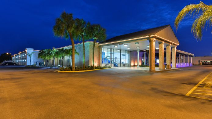 Exterior view Clarion Inn and Conference Center Tampa-Brandon