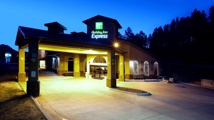 Exterior View Holiday Inn Express Suites Hill City Mt Rushmore Area