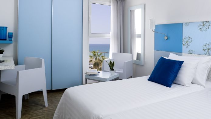 Room with a sea view Prima City