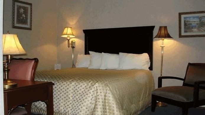 Room Albany Airport Cocca's Inn & Suites Wolf Rd