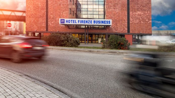Exterior view IH Hotels Firenze Business