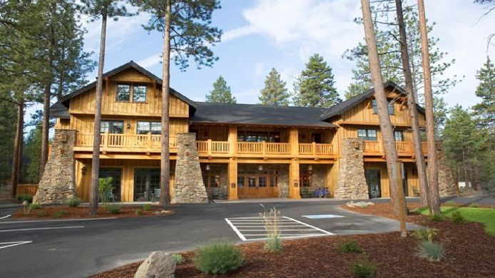 Exterior View Five Pine Lodge And Cabins