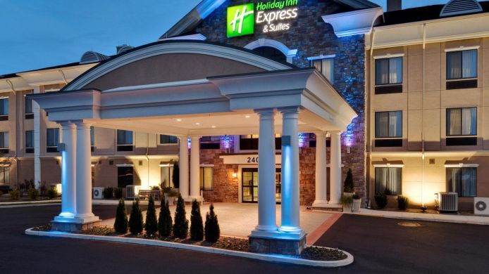 Exterior View Holiday Inn Express Suites Warminster Horsham