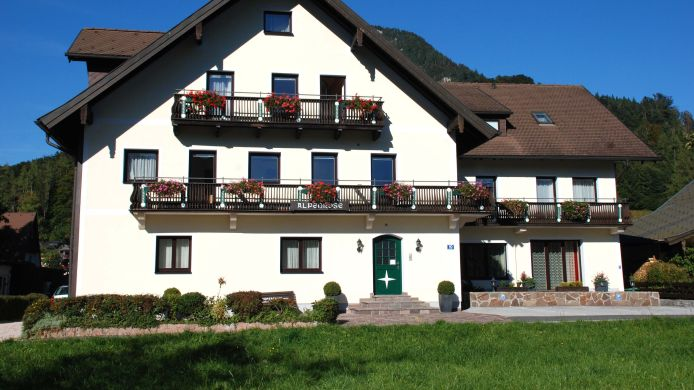 Exterior view Alpenrose Pension