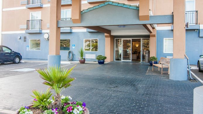 Exterior view Quality Inn Lincoln City