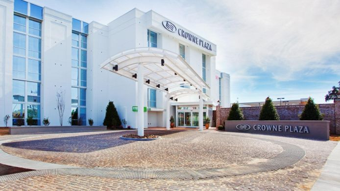 Exterior view Crowne Plaza CHARLESTON AIRPORT - CONV CTR