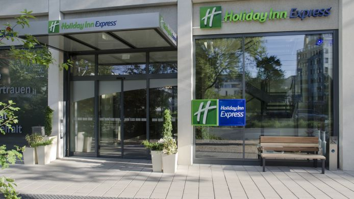 Außenansicht Holiday Inn Express HEIDELBERG - CITY CENTRE