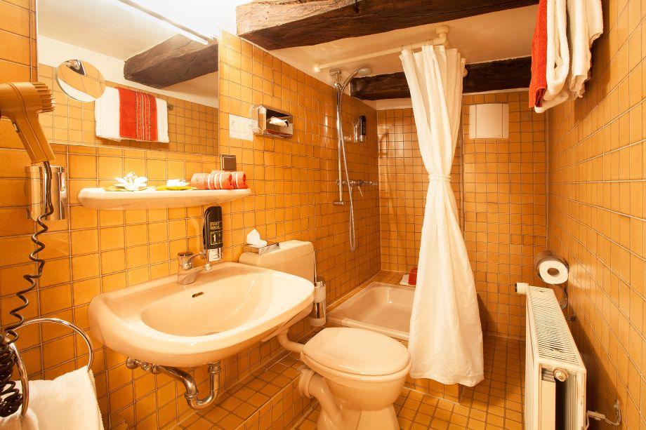 Badausstellung Braunschweig badezimmer braunschweig g nstige unterkunft mit fitnessstudio