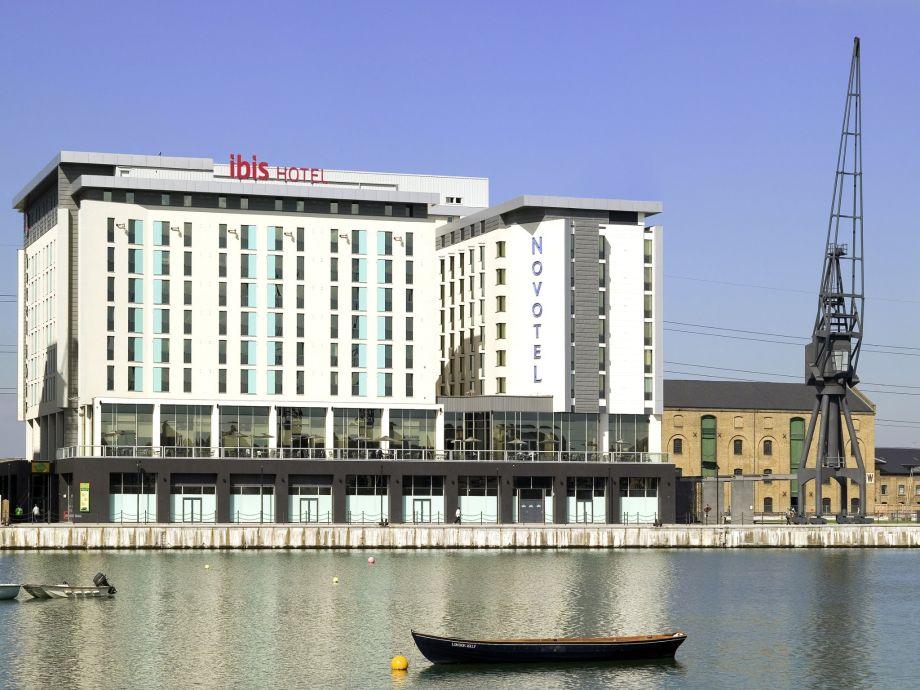 Hotels Victoria Dock London