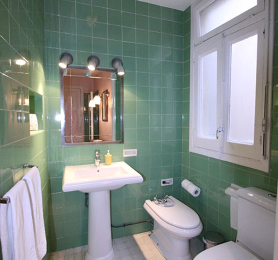 Bathrooms estilos home decoration club - Casa con estilo barcelona ...