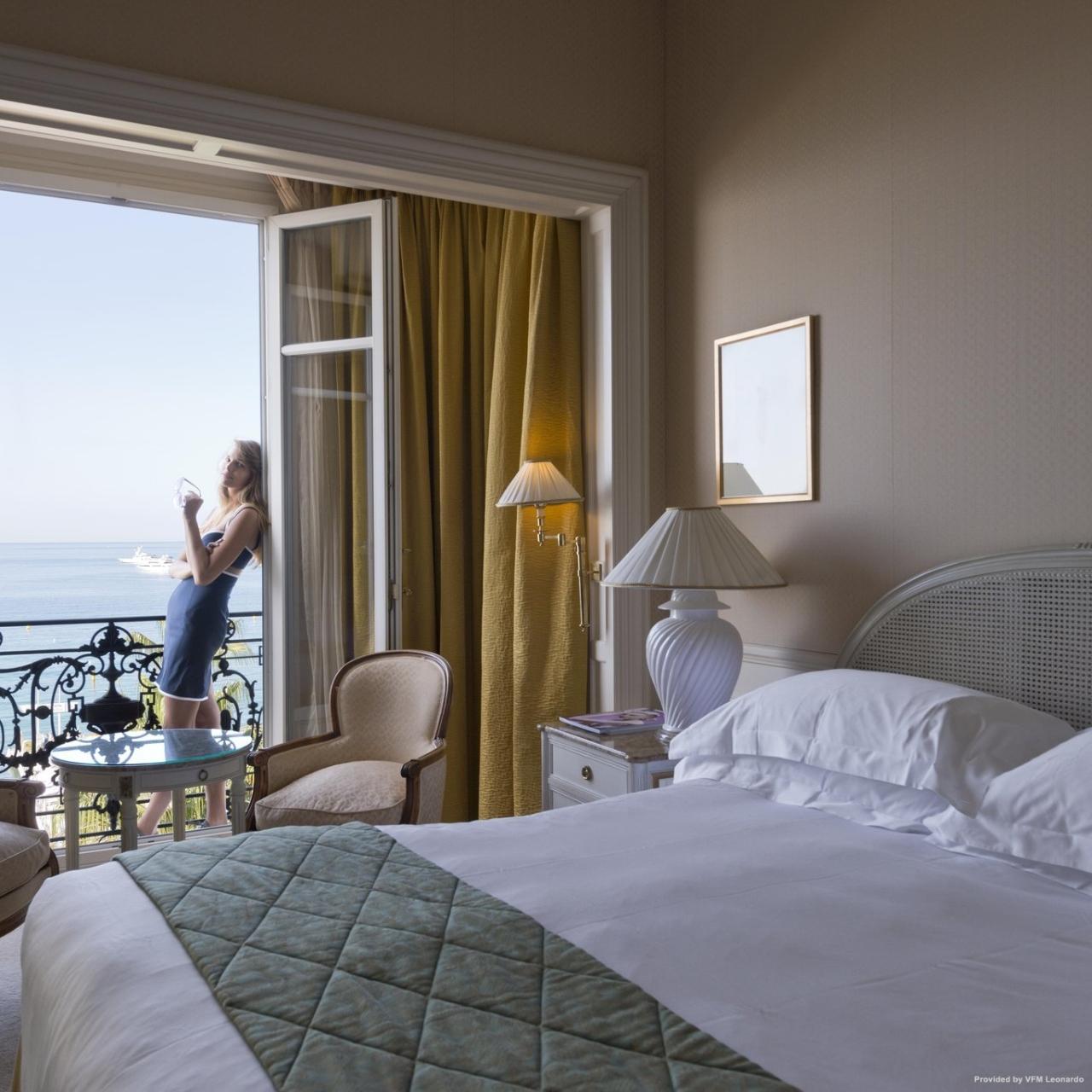 InterContinental Hotels CARLTON CANNES Cannes (Provenza-Alpi-Costa Azzurra)  presso HRS con servizi gratuiti