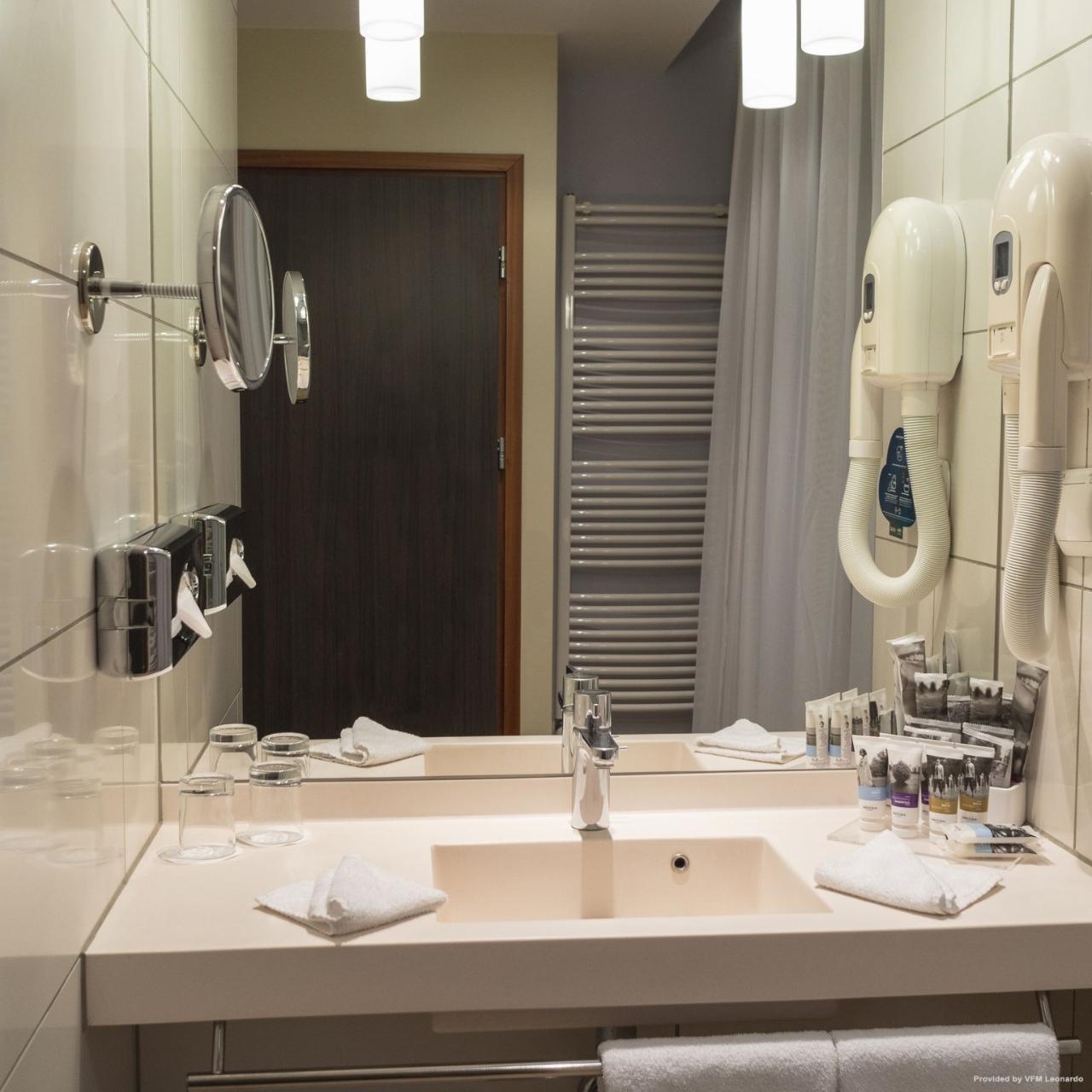 Hotel Mercure Warszawa Grand Warsaw Masovian Voivodeship At Hrs With Free Services