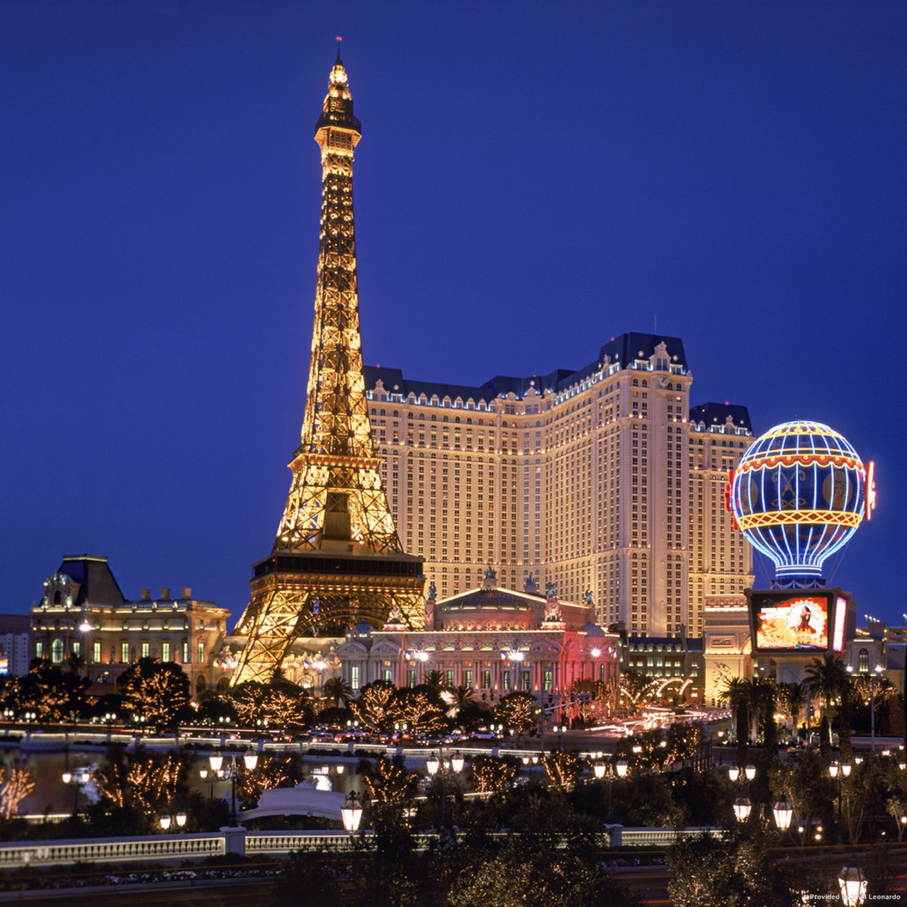 Hotel Paris Las Vegas United States Of America At Hrs With Free Services